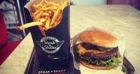 On a testé Steak'n Shake, la nouvelle enseigne burger sur le Vieux Port de Marseille