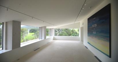 La Fondation Carmignac ouvre ses portes, un grand centre d'art contemporain dans le Var