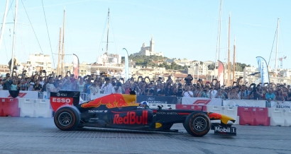 Les Formule 1 ont fait le show le Vieux Port de Marseille