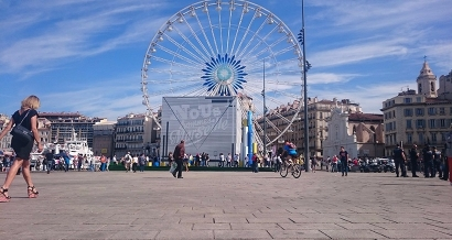 Elle tourne, elle tourne la grande roue de Marseille