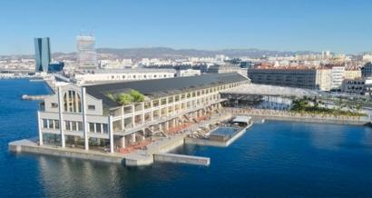 Marseille: Piscine, hôtel, restaurants, jardin, bureaux et jeux... Le J1 va devenir la Passerelle