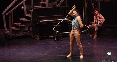 Le cirque Eloize transforme le Gymnase en Saloon