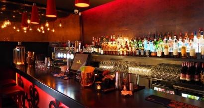 A Aix, les bars et restaurants doivent désormais fermer une heure plus tôt