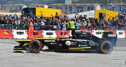 En images: A Salon et à Toulon, les Formule 1 ont fait le show ce weekend