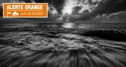 Rafales jusqu'à 140km-h: les Alpes Maritimes en vigilance orange cette nuit