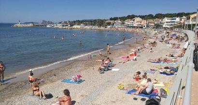 Les plages de l'ouest Var prises d'assaut par les familles