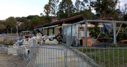 Des restaurants dévastés: les lourds dégâts d'une tornade cette nuit sur les plages du Mourillon