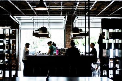 La fermeture des bars et des loisirs indoor: l'autre conséquence de l'application du couvre-feu