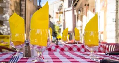 Bars et restaurants: pas de réouverture avant la mi janvier ?