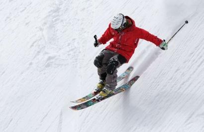 Confinement allégé : Les stations de ski ne devraient pas rouvrir avant la rentrée de janvier
