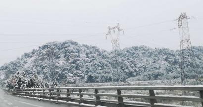 De la neige ce dimanche 10 janvier dans les Bouches du Rhône. Les photos