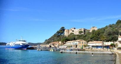 Comment aller à Port-Cros? le guide pratique des navettes maritimes