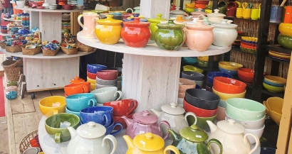 Aubagne capitale de l'argile avec le marché à la céramique et aux santons