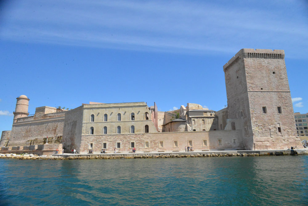 Le fort st jean une balade au coeur de l 39 histoire de - Parking vieux port fort saint jean marseille ...