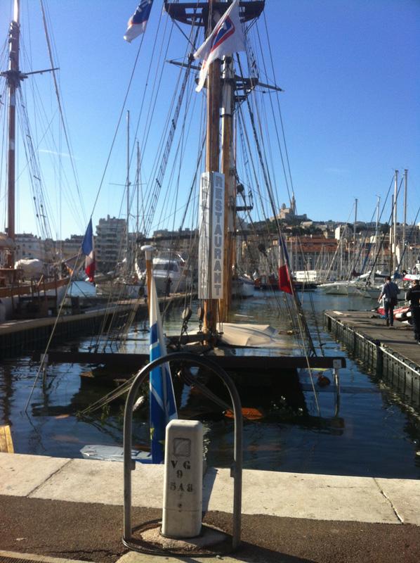 Le Marseillois coule dans le Vieux-Port