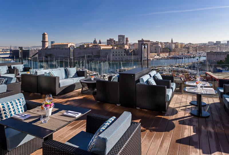 Nouveau lieu de rendez vous sur la terrasse du sofitel marseille frequence - La terrasse du port marseille ...
