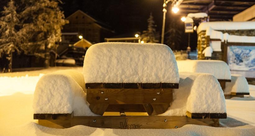 Gr�ce aux fortes chutes de neige, quatre stations avancent leur date d'ouverture