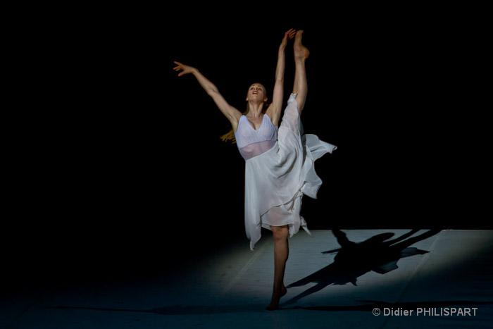 b jart ballet lausanne le d me en temple de la danse marseille frequence. Black Bedroom Furniture Sets. Home Design Ideas